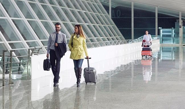 Man och kvinna reser