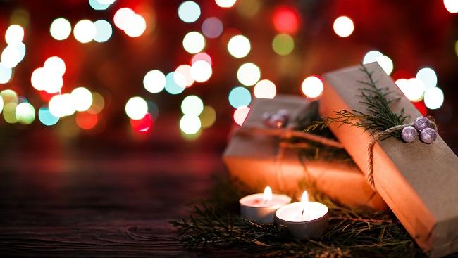 Julklappar och värmeljus